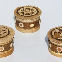 Cajas pequenas de abedul