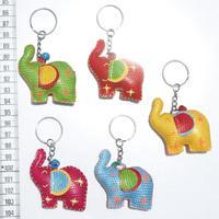 Llaveros con elefantes