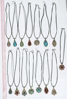 Collares con pendantes