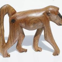 Mono de madera