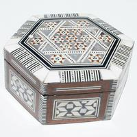 Caja diseno arabico