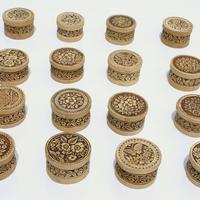 Caja redonda de madera