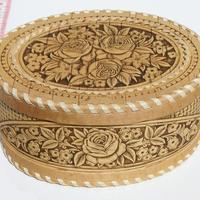 Caja decorativa de madera