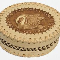 Caja ovalada con cisne